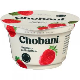 Strawberry Greek Yoghurt 5.3 OZ - Chobani